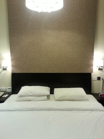 Dunes Hotel Apartments Oud Metha: Inside the room.