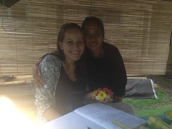 Bali Homestay: Posing with Emmi