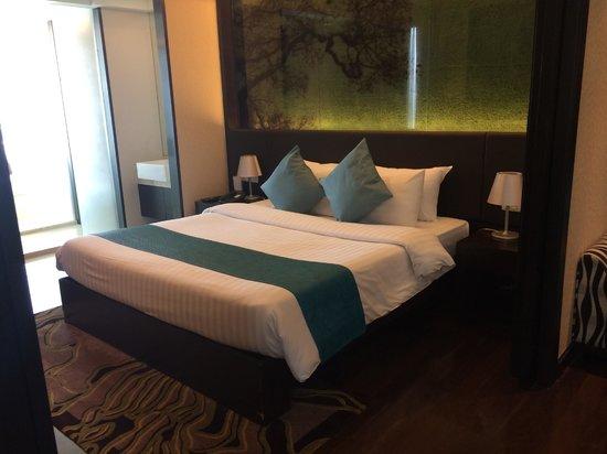 Jasmine Resort Hotel : Corner Suite at 14th floor