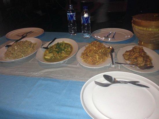 Bali Homestay : Dinner