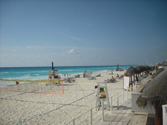 Golden Parnassus All Inclusive Resort & Spa Cancun: Plage