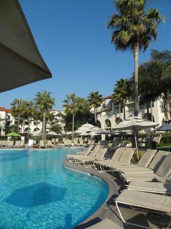 Hyatt Regency Huntington Beach Resort & Spa: Clean pools with fast/friendly service.