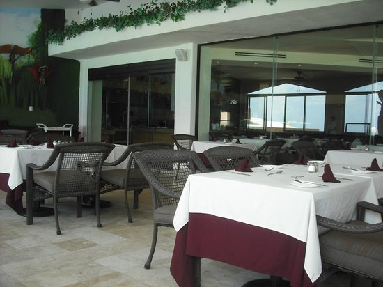 Golden Parnassus Resort & Spa: Buffet