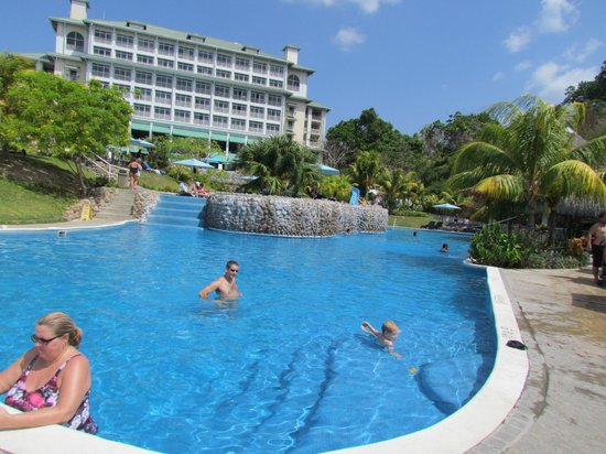 Sheraton Bijao Beach Resort: beautiful pools
