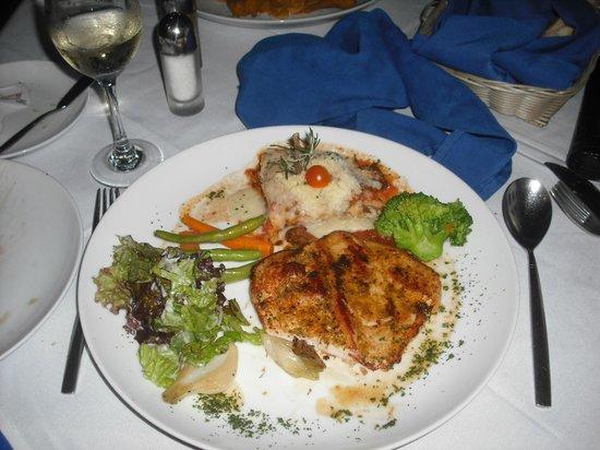 Golden Parnassus All Inclusive Resort & Spa Cancun : Souper au restaurant fruit de mer