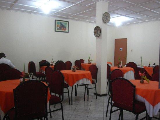 Sainte Anne Hotel: inside dining area