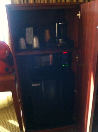 The Blake Hotel New Orleans, an Ascend Collection Hotel: Armoire with fridge, microwave and coffe