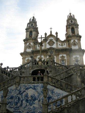 Santuario Nossa Senhora dos Remedios: Beeldengroep van de trap naar Het Heiligdom