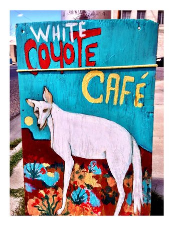 White Coyote Cafe : Cool place.. Great food.... Organic & Gluten Free goodies