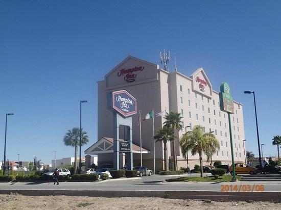 Hampton Inn by Hilton Torreon-Airport Galerias: Vista exterior del hotel