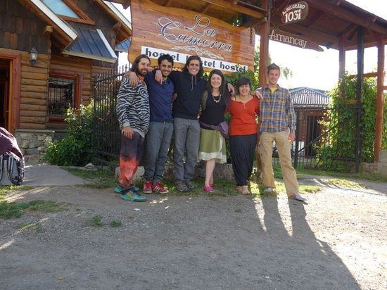 La Camorra Hostel: staff and guests