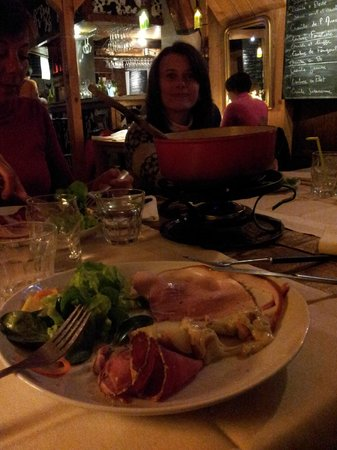 L'Anversis,table de montagne : fondue au morbier, bleu de gex et comté