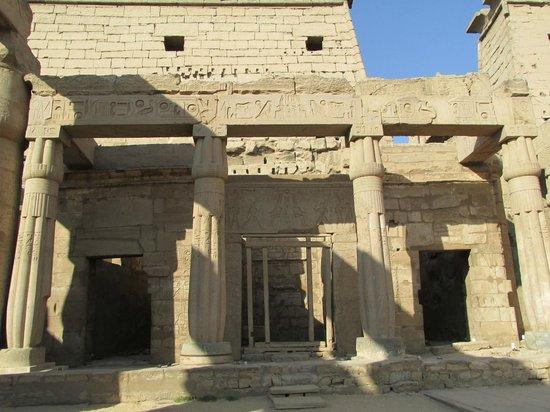 Templo de Luxor: Muros