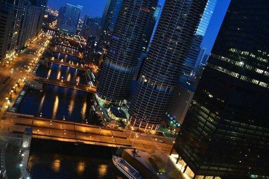 Wyndham Grand Chicago Riverfront: 35th floor