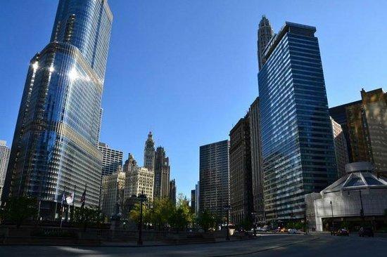 Wyndham Grand Chicago Riverfront: East Wacker Dr