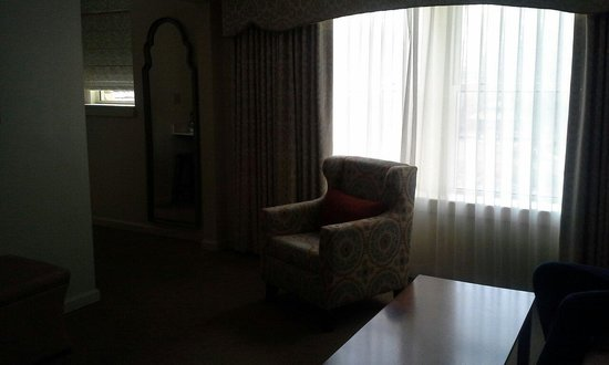The Elms Hotel and Spa : Living room parlor suite