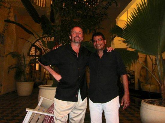 La Passion Hotel Lounge: Jose & my husband