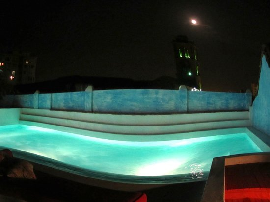 La Passion Hotel Lounge : Fish-eye view of pool at night-open 24hrs!!