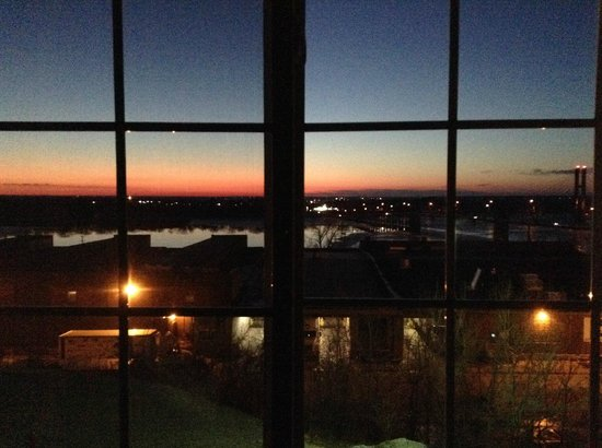 Microtel Inn & Suites by Wyndham Quincy: The view of Mississippi River - Outstanding