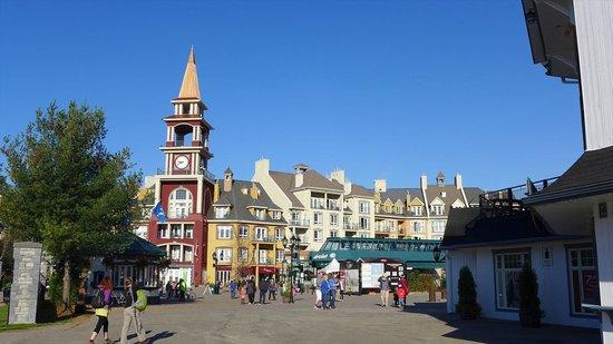 Tour des Voyageurs: ホテルの建物
