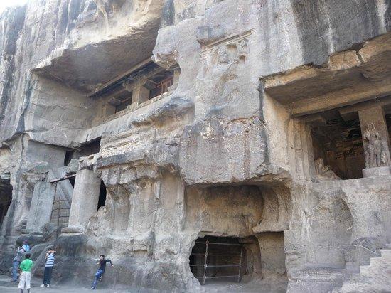 cave 16 picture of ellora caves aurangabad tripadvisor. Black Bedroom Furniture Sets. Home Design Ideas