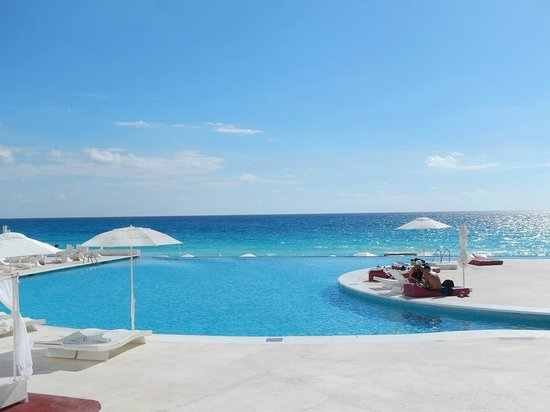 Bel Air Collection Resort & Spa Cancun: Pool