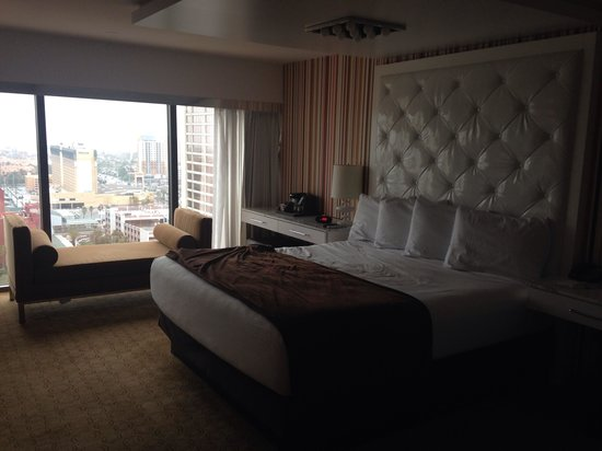 Flamingo Las Vegas Hotel & Casino: The bed