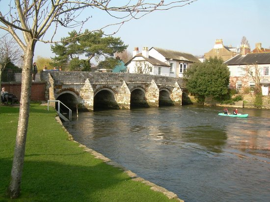 Christchurch Priory Church: One of the lovely if not a real pain for drivers town bridges