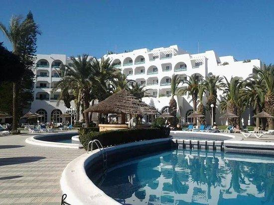 Hotel Marhaba Beach: lovely location.
