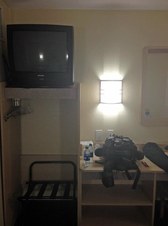 Motel 6 Montgomery Airport - Hope Hull: tv