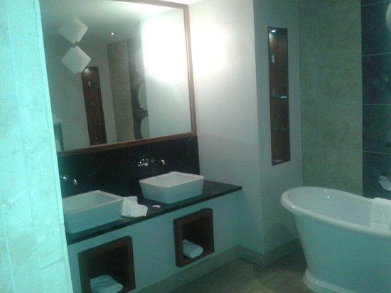 Osprey Hotel & Spa : Sinks