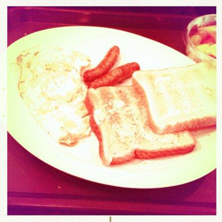 La Carreta: Eggs, Sausage and Toast breakfast.