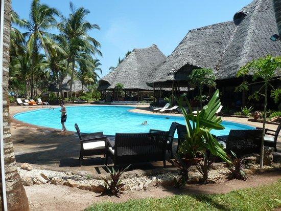 Kiwengwa Beach Resort : Piscina