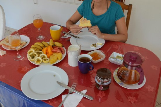 Chez May Paule Guesthouse: Breakfast