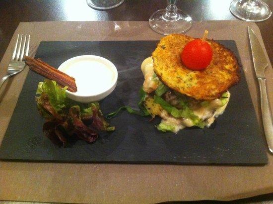 Fleischkiechele over rice & Bordeaux - Foto van Brasserie au Canon ...: https://www.tripadvisor.nl/LocationPhotoDirectLink-g187075-d2053302...