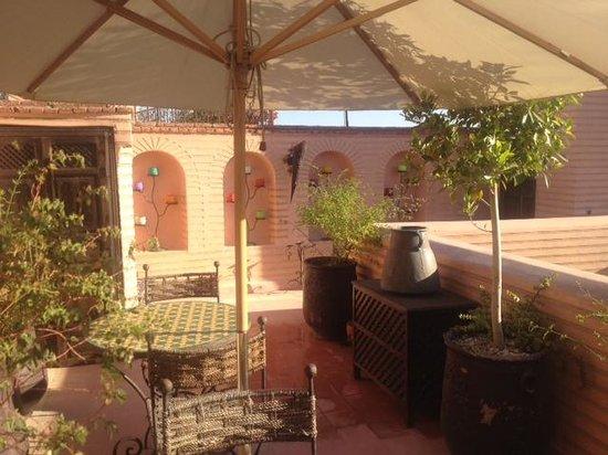 Riad Ilayka: terasse vue sur marrakech
