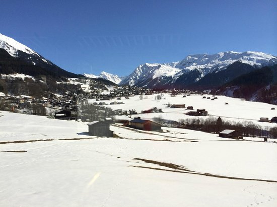 Hotel Bad Serneus: Sonniger Wanderweg nach Klosters Ca. 1 Std.