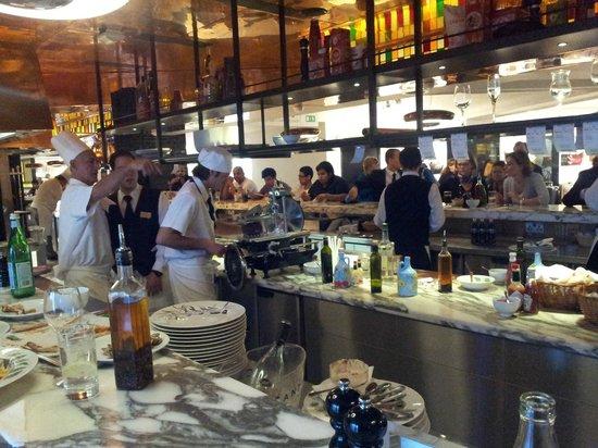 Harrods : Bar area