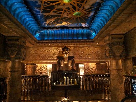 Harrods : Extravagant interiors