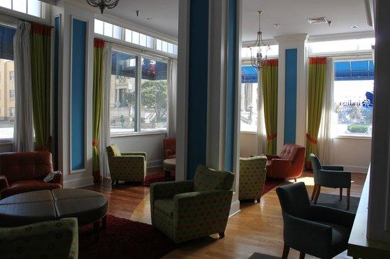 Hotel Indigo Dallas Downtown : Lounge area
