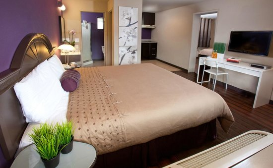 Alura Inn: Kitchenette room