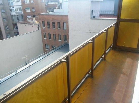 Aparto Suites Muralto: Terraza