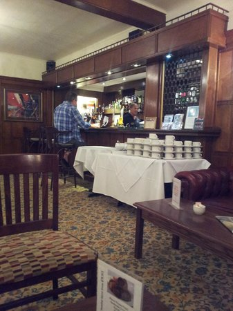Manor House Hotel & Spa: bar - getting ready for breakfast