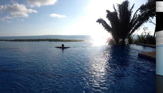 El Castillo Hotel: Infinity Pool