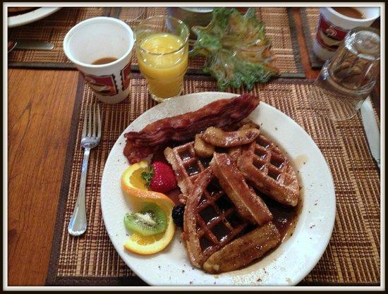 Ashton's Bed and Breakfast: Banana Foster Waffles... Decadent!