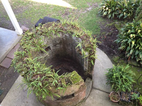 Ashton's Bed and Breakfast: Cistern Remnents