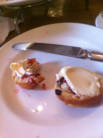 Bull Hotel: This is how the scones turned out on 08/03/2014