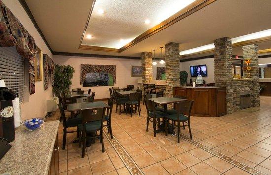 BEST WESTERN Inn & Suites: Breakfast Area