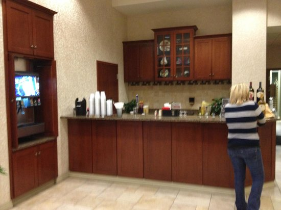 Drury Inn & Suites West Des Moines: Kickback time in the evening
