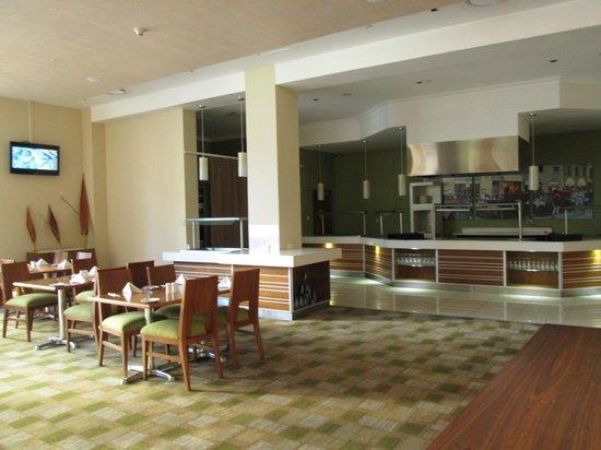 Masa Square Hotel: Breakfast